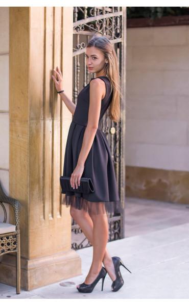 Черна рокля с плохи Морийн