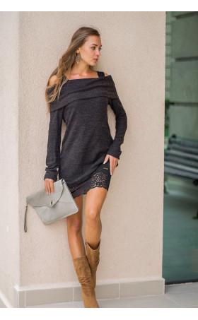 Туника от плетиво и рокля с дантела