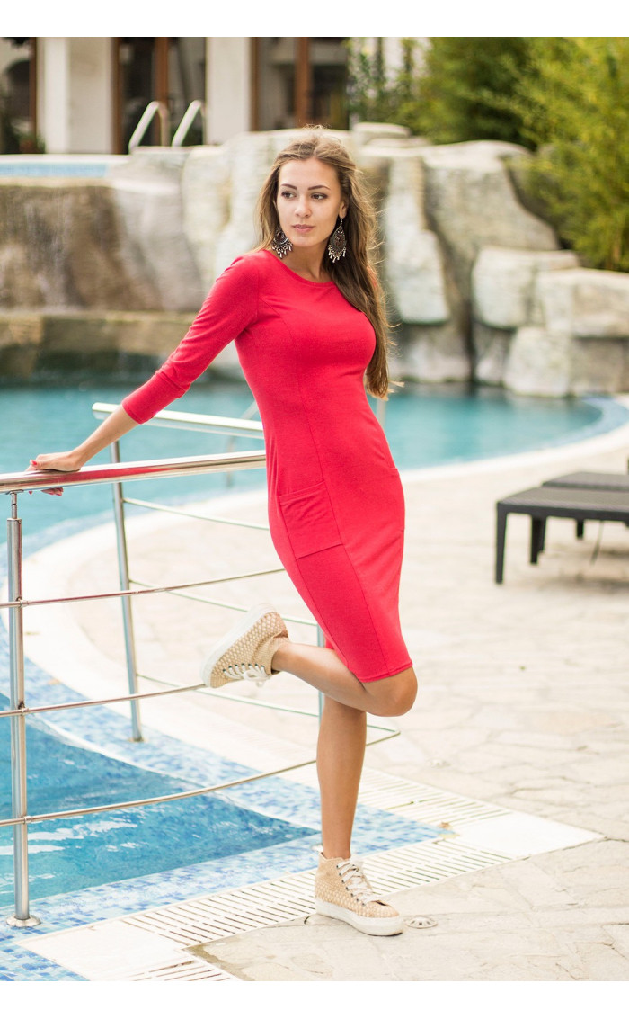 Червена рокля Миси