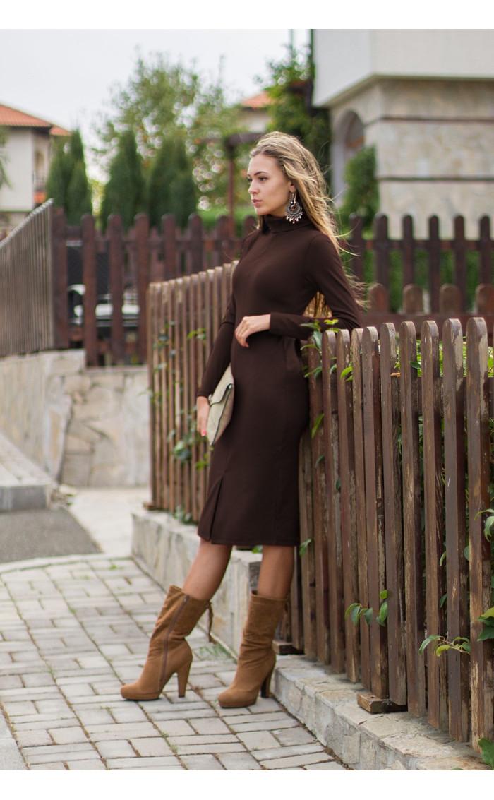Елегантна вталена рокля Стефания в шоколадово кафяво