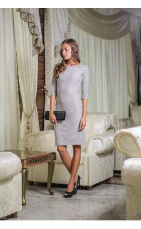 Елегантна рокля със сребриста дантела