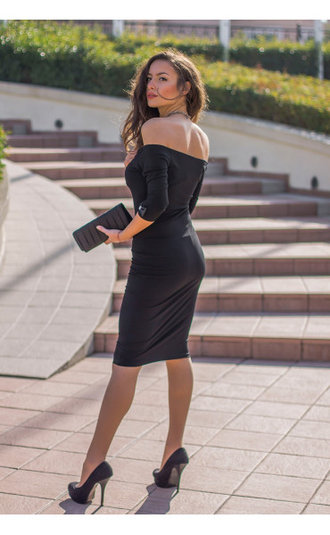 Кокетна черна рокля Селесте с панделка и отворено деколте_14257