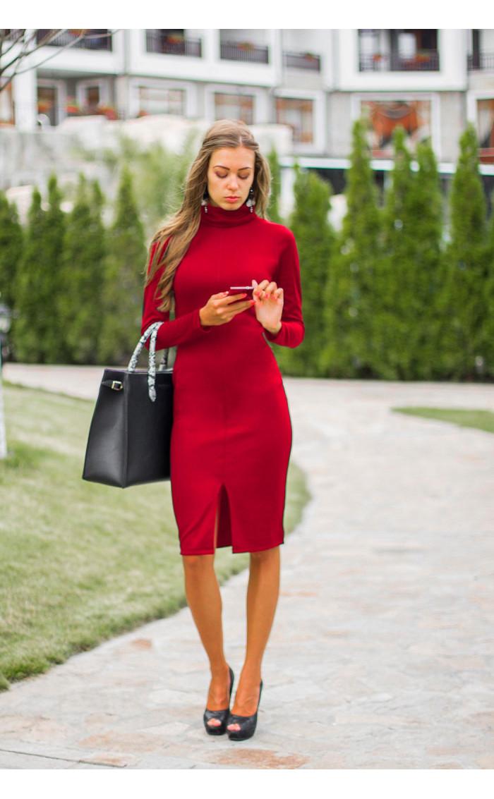 Червена рокля Стефания