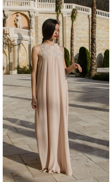 Дълга официална рокля в бежово Калиопа