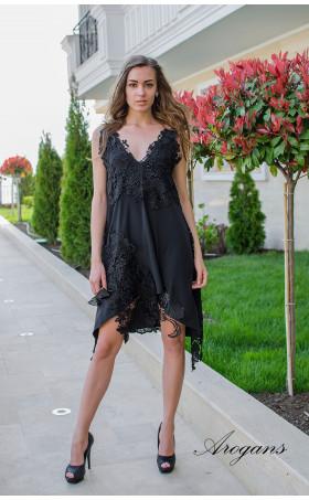 Черна бутикова рокля Black lace с дантелена декорация