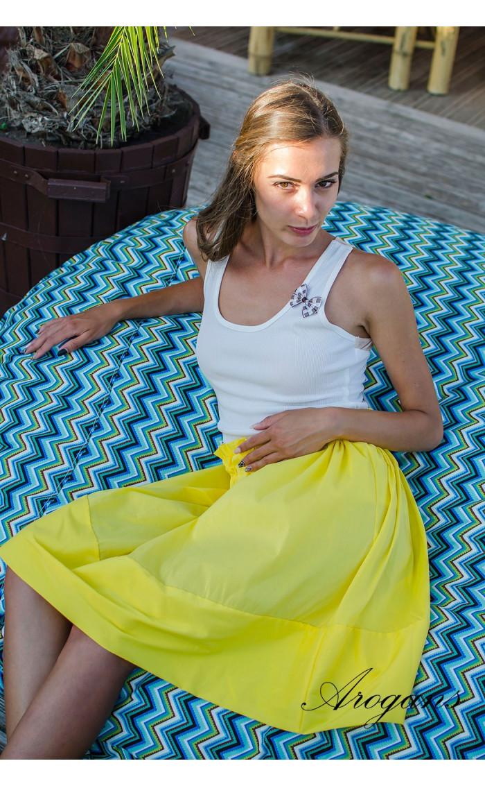 Пола в жълто