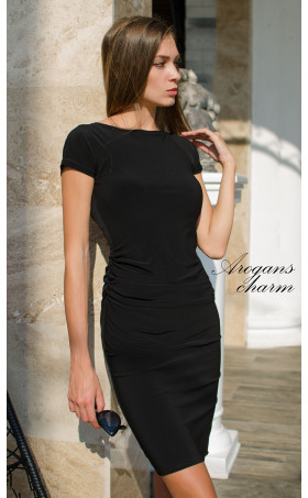 Класическа черна рокля Little Black Dress с къси ръкави