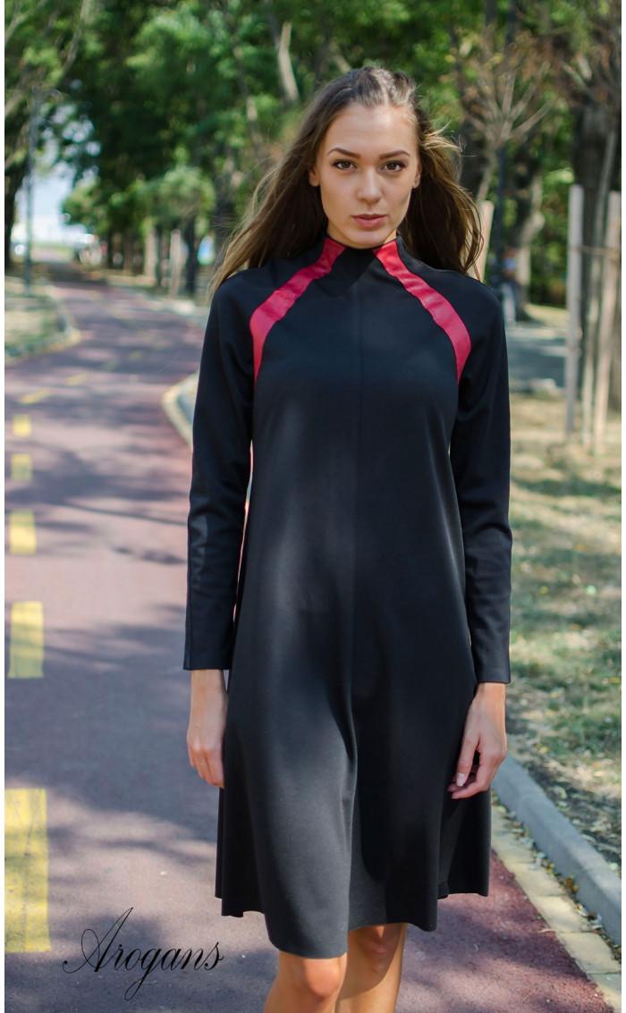 Ежедневна рокля с червени кожени акценти