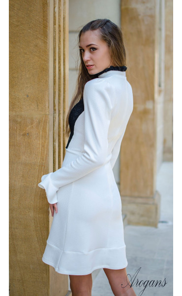 Елегантна бяла рокля Bijoux с дантела и широки ръкави_15720