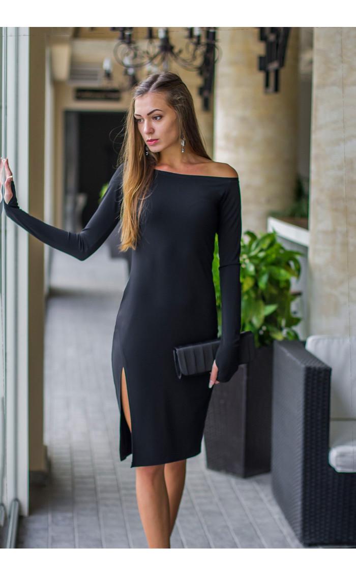 Стилна вталена черна рокля с цепка Елиза