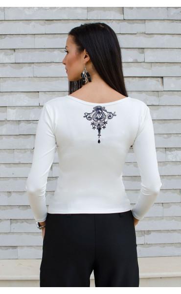 Спортно елегантна бяла блузка с принт_15847