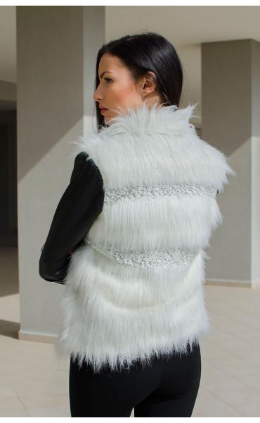 Късо черно кожено яке с бял изкуствен косъм и меко плетиво_15874
