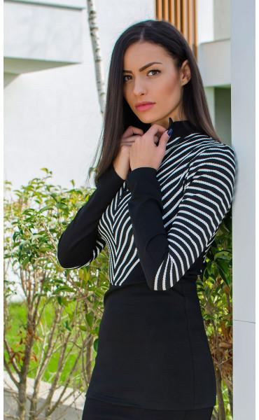 Елегантна блуза с цип и висока яка