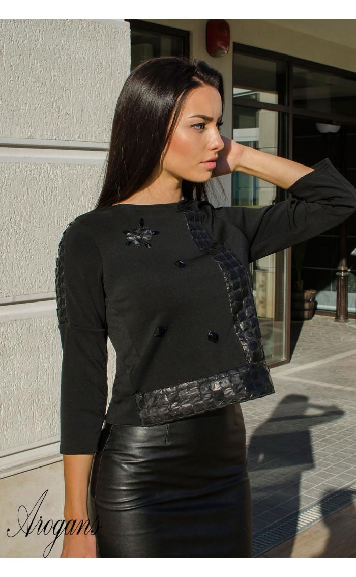 Блуза с три четвърт ръкав и декорации Black crystal