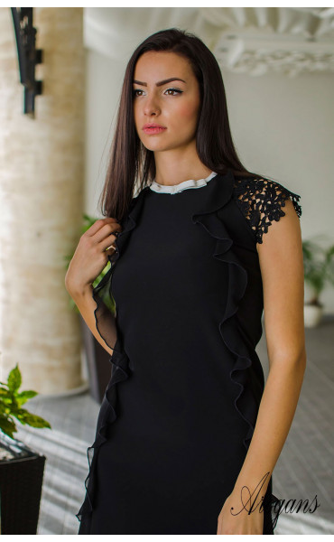 Елегантна черна мини рокличка от габардин с нежни детайли и кокетно декoлте_16053