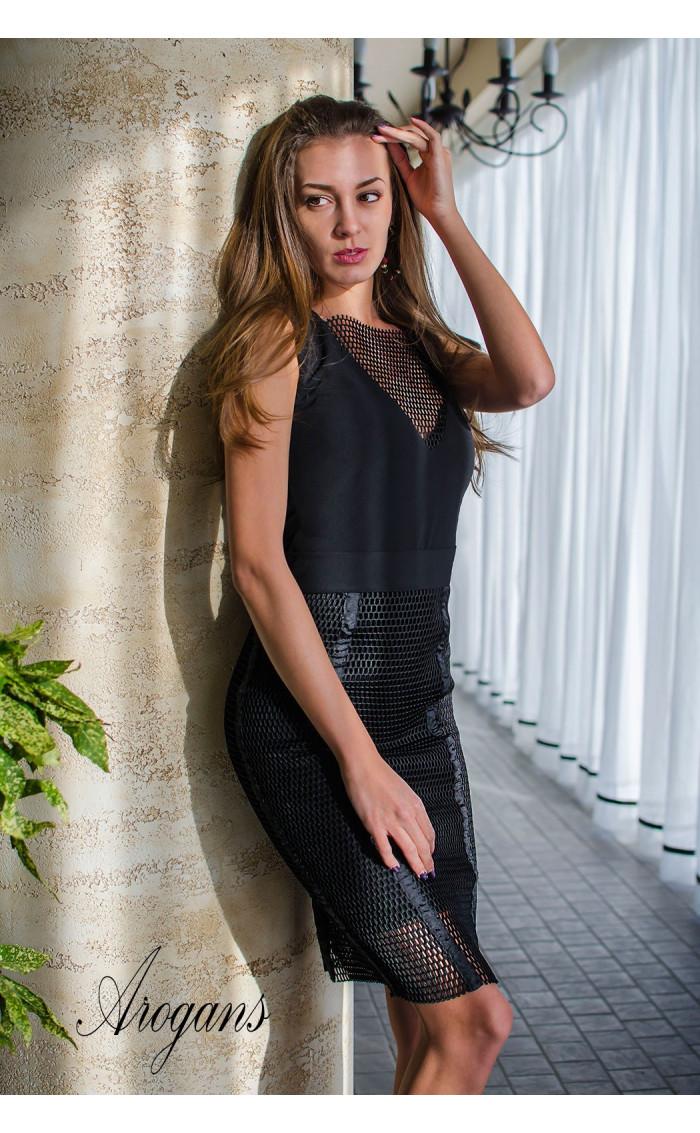 Комплект в черно - рокля и пола от мрежа Femme Fatale