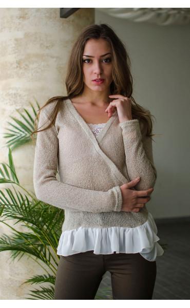 Нежна блузка от плетиво и закачливи детайли