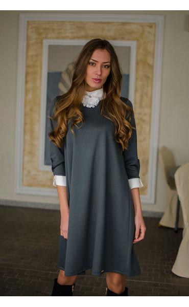 Елегантна свободна рокля с якичка и декорация Зоя