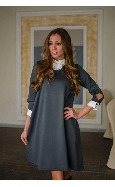 Елегантна свободна рокля с якичка и декорация_16334