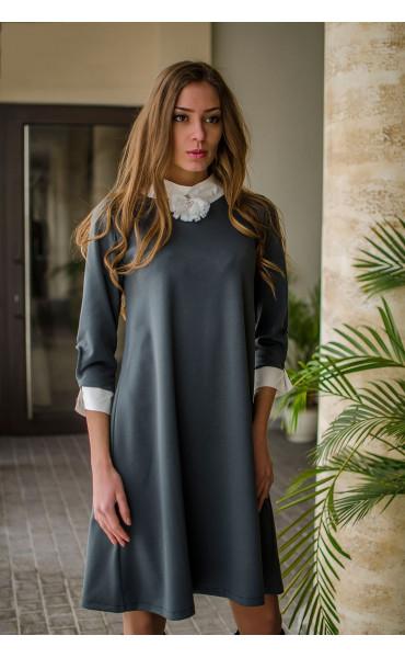 Елегантна свободна рокля с якичка и декорация_16337