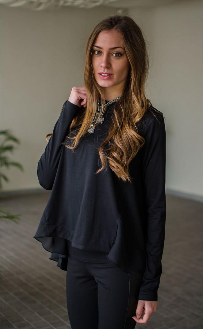 Спортно елегантна блузка с раздвижен гръб