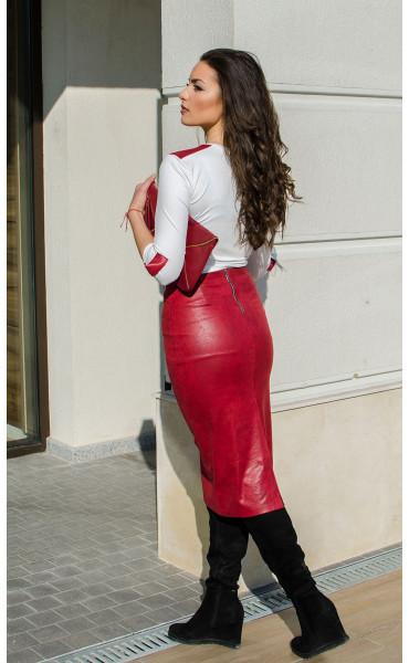 Кожена пола в малиново червен цвят_16449