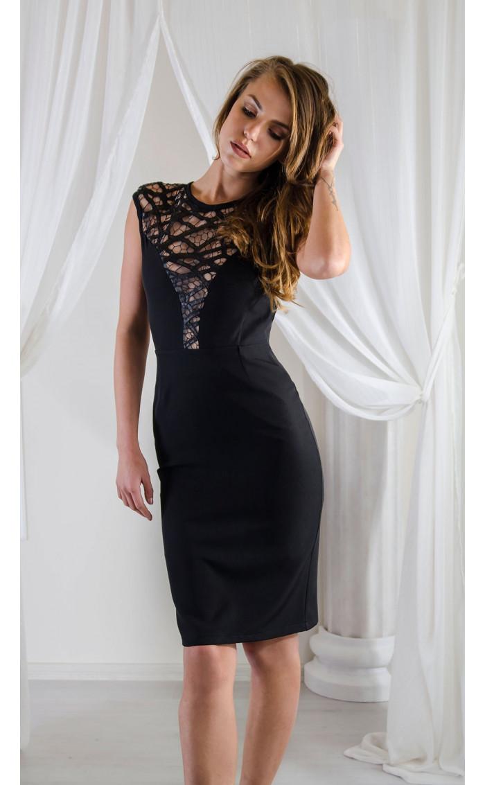 Елегантна рокля с ефектна мрежа