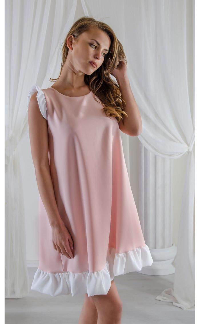 Свободна рокля с бели къдри