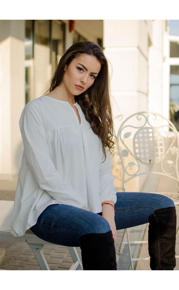 Ежедневна риза в бяло