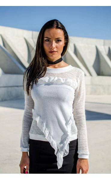 Блуза от плетива с къдри