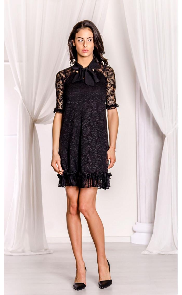 Къса черна дантелена рокля Беки