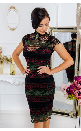 Дантелена рокля с брошка Glamour