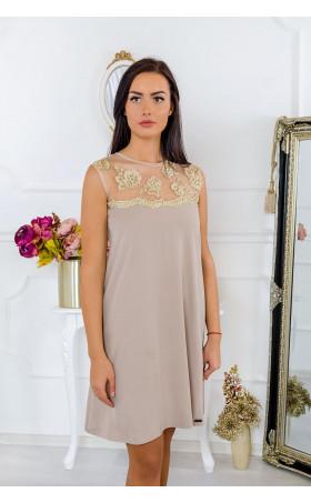 Елегантна рокля със златни дантели