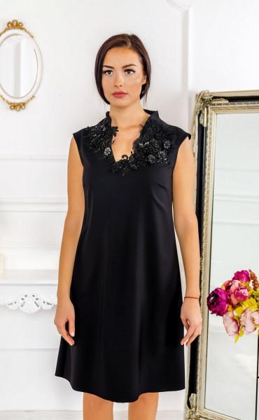 Вечерна разкроена рокля с 3d орнаменти Lady in Black