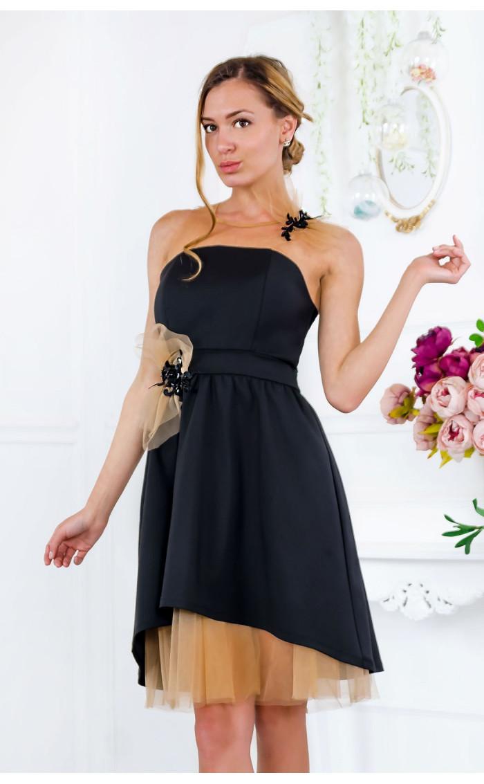 Официална разкроена рокля с ръчно изработени акценти