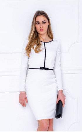 Елегантна рокля в бяло и черно