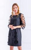 Нежна рокля в черно с 3d цветя