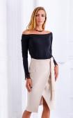 Бежова елегантна пола с прехвърляне и колан